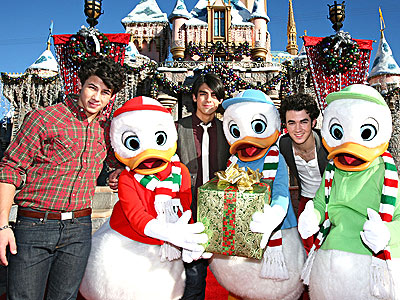 ALL QUACKED UP photo | Joe Jonas, Jonas Brothers, Kevin Jonas, Nick Jonas
