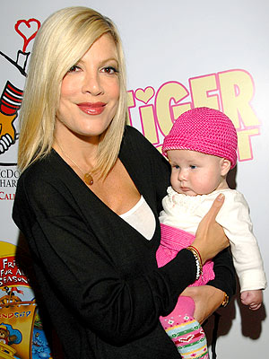'BEAR'-Y SPECIAL photo | Tori Spelling
