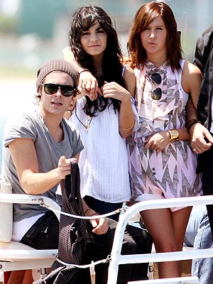 WATER BABES photo | Ashley Tisdale, Vanessa Hudgens, Zac Efron
