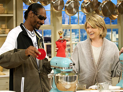 KITCHEN AIDE photo | Martha Stewart, Snoop Dogg