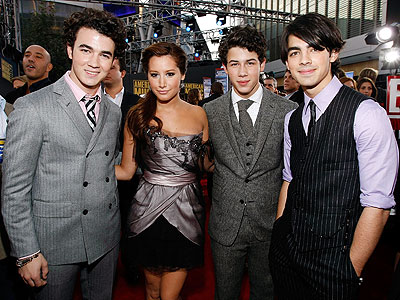 TEEN DREAM photo | Joe Jonas, Jonas Brothers, Kevin Jonas