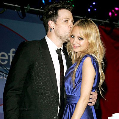 nicole richie kissing