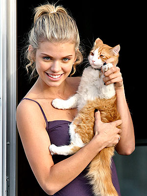 CAT WOMAN photo | AnnaLynne McCord