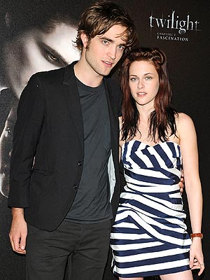 VAMPIRES IN PARIS photo | Kristen Stewart, Robert Pattinson