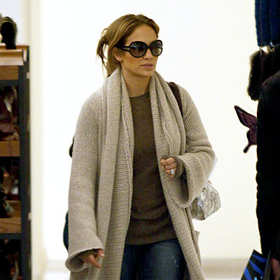 SMART SHOPPER photo | Jennifer Lopez