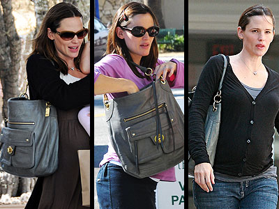 COACH HOBO photo | Jennifer Garner