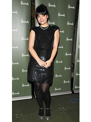Lily Allen Dishes on Sales Maternity Wear and Smoking