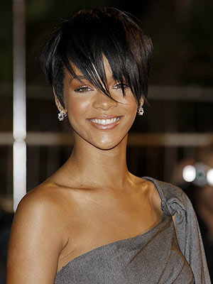 Rihanna's New Short 'Do: Love It or Hate It?