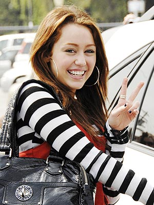 http://img2.timeinc.net/people/i/2008/stylewatch/blog/080324/miley_cyrus_300x400.jpg
