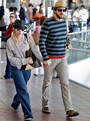 SCARLETT JOHANSSON AND RYAN REYNOLDS photo | Ryan Reynolds, Scarlett Johansson