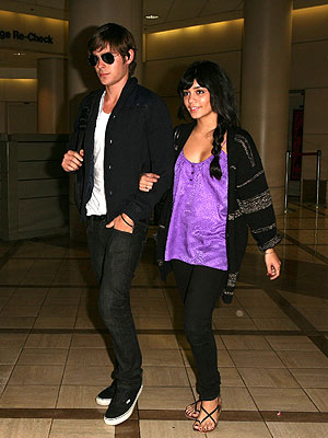 ZAC EFRON AND VANESSA HUDGENS  photo | Vanessa Hudgens, Zac Efron