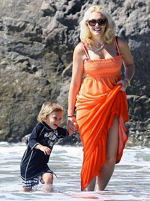 GWEN STEFANI AND KINGSTON ROSSDALE photo | Gwen Stefani
