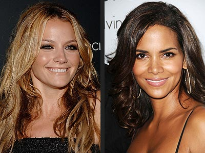 GLOSSY NUDE LIPS photo | Becki Newton, Halle Berry