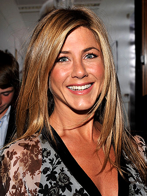 WINTER TAN photo | Jennifer Aniston