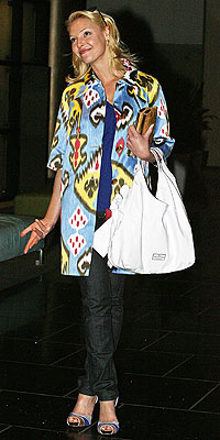KATHERINE HEIGL'S PRINTED Coat  photo | Katherine Heigl