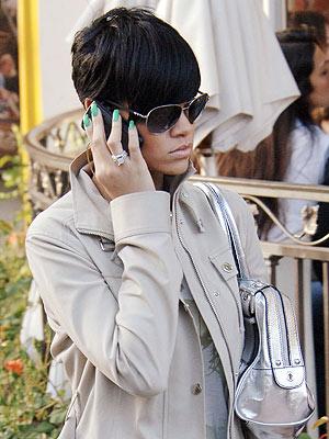GO GREEN photo | Rihanna