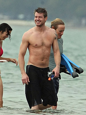http://img2.timeinc.net/people/i/2008/stylewatch/gallery/onsetstyle2/eric_dane.jpg