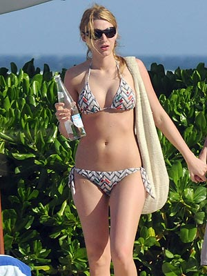 PRINTED STRING BIKINIS photo | Blake Lively, Penn Badgley