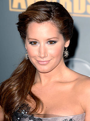 http://img2.timeinc.net/people/i/2008/stylewatch/gallery/tips_tricks/081208/ashely_tisdale.jpg