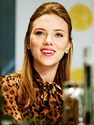 Scarlett Johansson Hairstyles Gallery, Long Hairstyle 2011, Hairstyle 2011, New Long Hairstyle 2011, Celebrity Long Hairstyles 2058