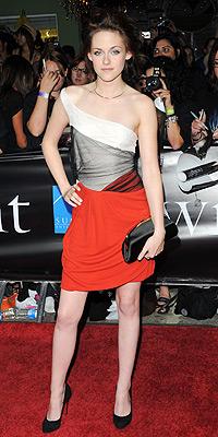 V šatech Balenciaga na premiéře Twilight v L.A.