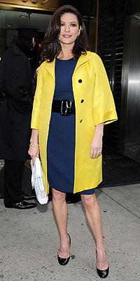 Catherine Zeta-Jones, 2017 style de vêtement & conseils pour gracieuse actrice & Balance