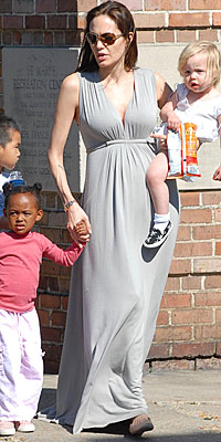 ANGELINA JOLIE&#39;S GRAY JERSEY DRESS photo | Angelina Jolie