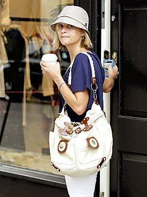 http://img2.timeinc.net/people/i/2008/stylewatch/youasked/080721/reese_witherspoon.jpg