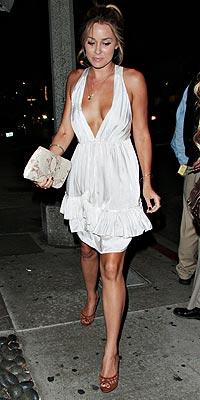 http://img2.timeinc.net/people/i/2008/stylewatch/youasked/080728/lauren_conrad.jpg