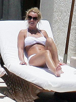 BRITNEY SPEARS'S WHITE BIKINI photo | Britney Spears