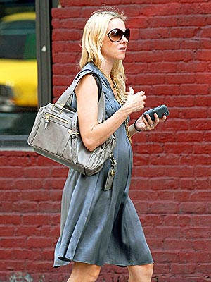 NAOMI WATTS'S BAG photo | Naomi Watts
