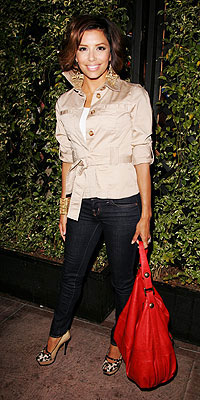 EVA LONGORIA PARKER'S RED BAG photo | Eva Longoria