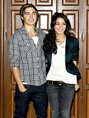 VANESSA HUDGENS&#39;S PLAID BLAZER photo | Vanessa Hudgens, Zac Efron