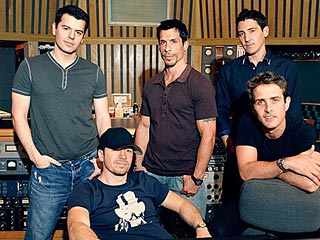 VIDEO EXCLUSIVE: See NKOTB Reunited! | New Kids on the Block