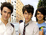Celeb Sightings: November 26, 2008 | Joe Jonas, Jonas Brothers, Kevin Jonas, Nick Jonas