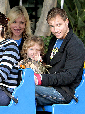 The Littrell Family Waves Hello – Moms & Babies ...
