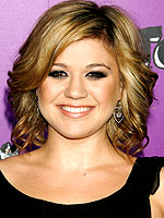 Kelly clarkson has 39 no desire 39 for children moms for How many kids does kelly clarkson have