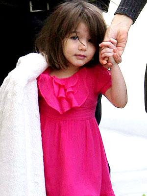suri cruise pretty in pink � moms amp babies � celebrity