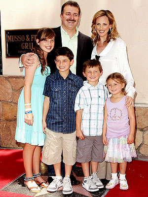 Marlee Matlin and family
