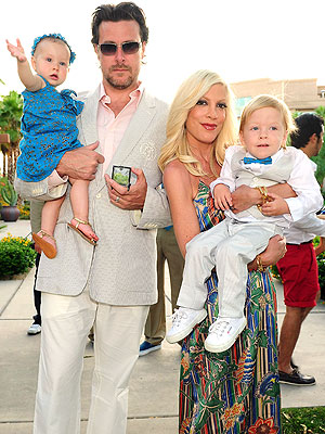 goldfish crackers gilbert. Tori Spelling and Family#39;s