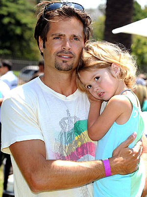 http://img2.timeinc.net/people/i/2009/cbb/blog/090622/david-charvet-300.jpg