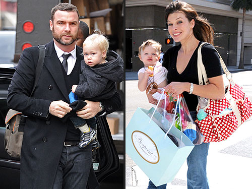 steal that style diaper bags to the stars moms babies celebrity ba. Black Bedroom Furniture Sets. Home Design Ideas