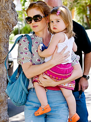 isla fisher hair color. Isla Fisher and Olive Cuddle
