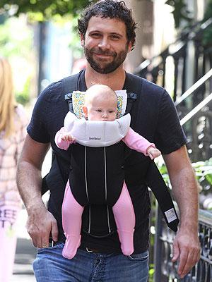 Jeremy Sisto Debuts His Daughter Moms Amp Babies