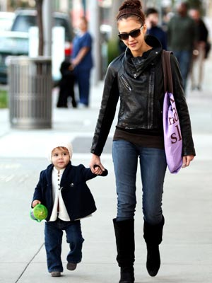 Jessica Alba And Daughter. Jessica Alba and Honor: