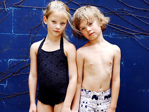Kids In Bathing Suits Images & Pictures - Becuo.