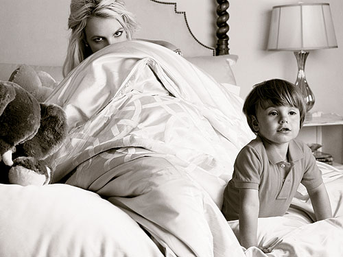 Britney Spears and her sons, Elle Magazine, January 2010 - Gossip Rocks