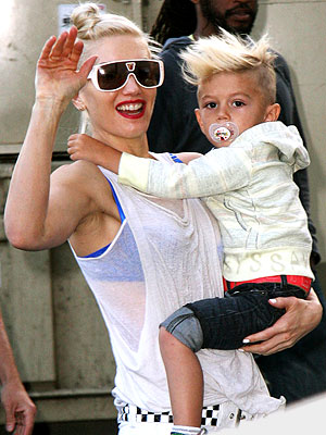 HAIR-RAISING photo | Gwen Stefani, Kingston Rossdale