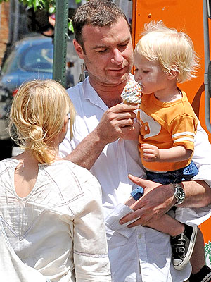 I SCREAM YOU SCREAM photo | Liev Schreiber, Naomi Watts