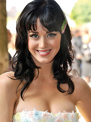 Katy Perry Blue Hair on Not She S Pretty In These Pictures When She Doesn T Have Blue Hair